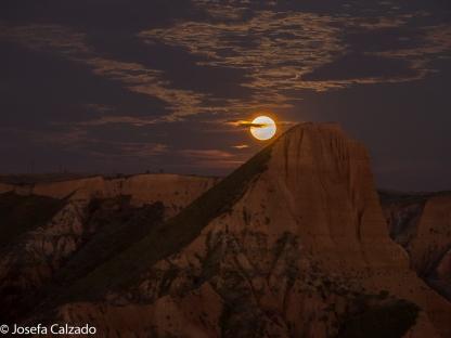 Salida de la luna sobre el Pico del Cambrón