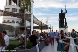 Detalle terraza en la azotea del CBA con la diosa Minerva