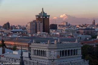Atardecer sobre Madrid, Torres de Colón