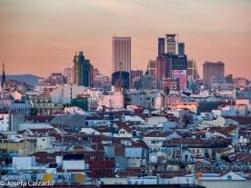 Detalle al atardeder del skyline Madrid