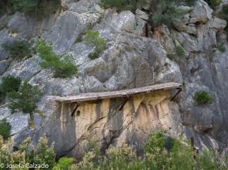 Resto del antiguo Caminito con placa conmemorativa