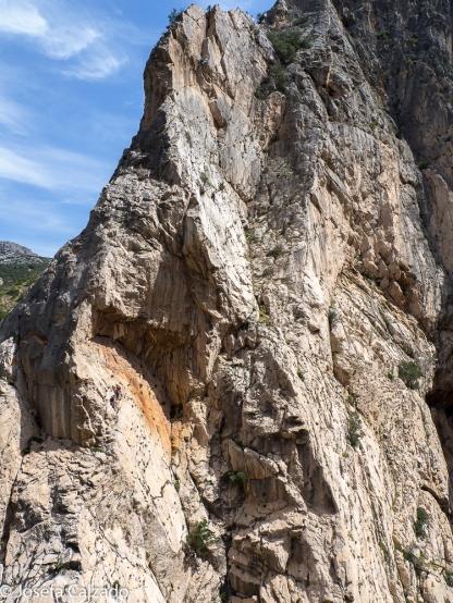 Peña Huma y vista general de los escaladores (para los curiosos hay 4)