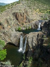 Vista panorámica de la sierra y las cascadas