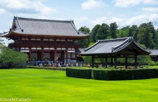 Templo Todaiji, entrada y fuente purificación