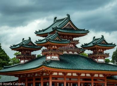 Detalle de las 3 torres del el Dragón Azul (Soryu-ro)