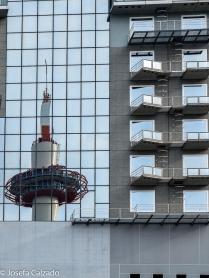 Reflejo Torre de Kyoto sobre hotel Gran Vía