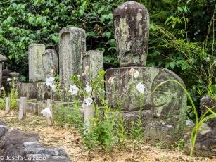 Detalle tumbas en el Mausoleo Shien