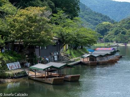 Barcazas en el río Hozu