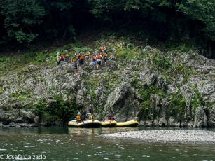 Turistas a punto de saltar