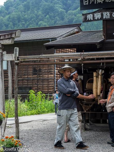 Deatalle tendero en Ogimachi