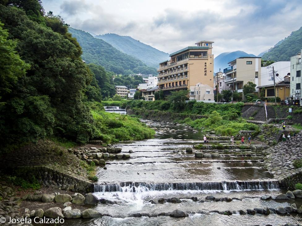 Río Hayakawa y montañas del valle
