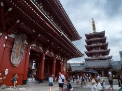 Parte de atrás de la Puerta de Hozomon y Pagoda