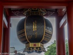 Detalle farolillo lateral puerta de Hozomon