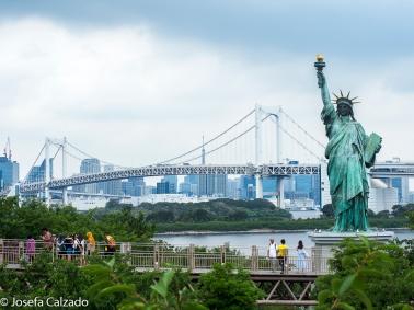 Estatua de la Libertad y Rainbow Brigde