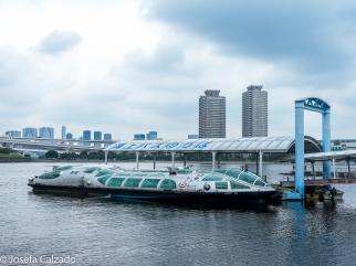 Futurista barco Himiko