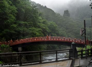 Puente Shinkyo o puente sagrado sobre el rio Daiya