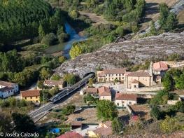 Vista de Villaescusa de Las Torres y rio Pisuerga