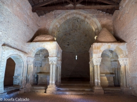 Detalle interior de la Iglesia de San Juan de Duero