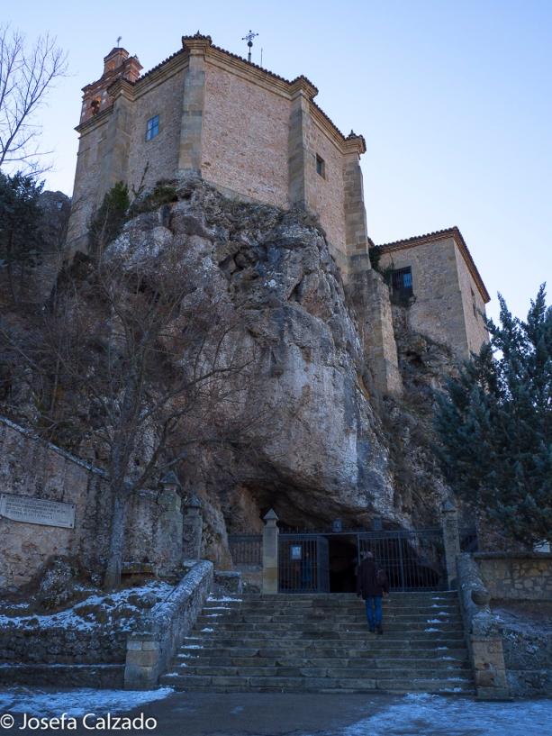 Entrada a la ermita de San Saturio