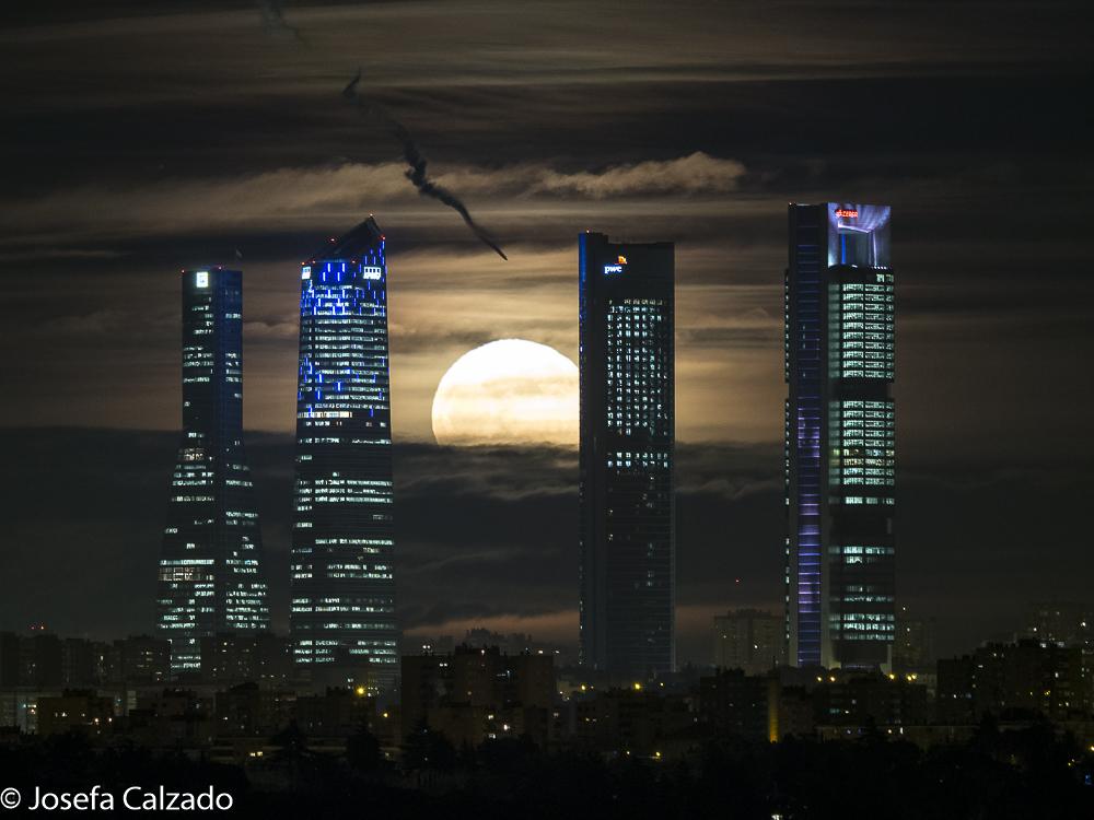 El rayo y la luna