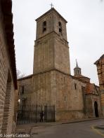 Torre campanario de la parroquia de San Pedro