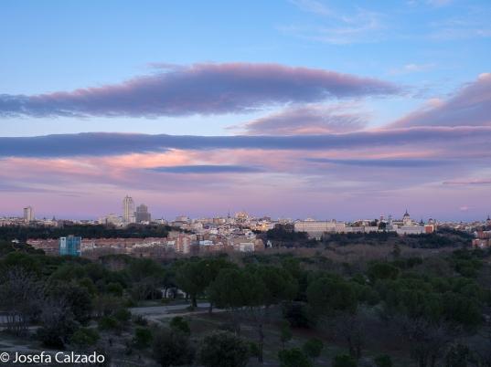 Panorámica del skyline de Madrid mientras esperamos la luna