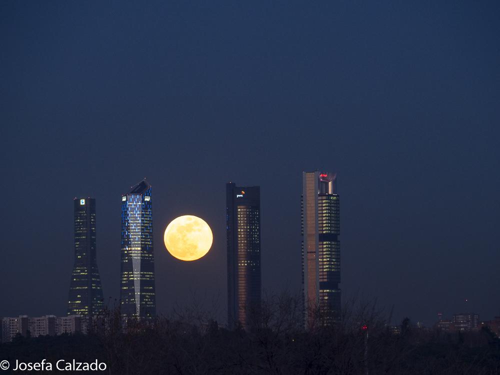 Superluna azul, luna de sangre