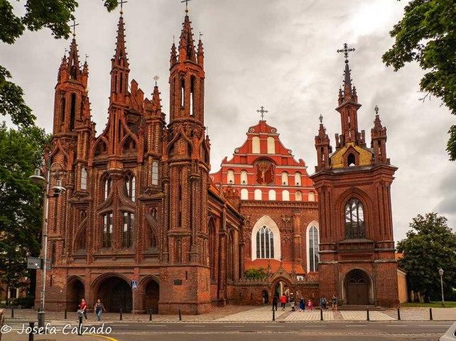 Conjunto iglesia de Santa Ana, iglesia de los Bernardinos y campanario