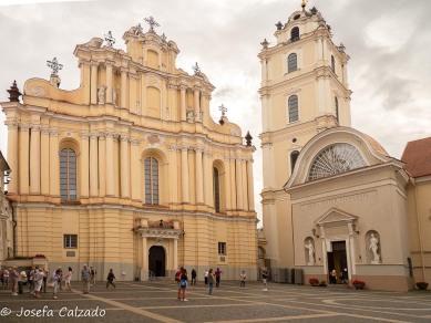 Iglesia de San Juan y Campanario