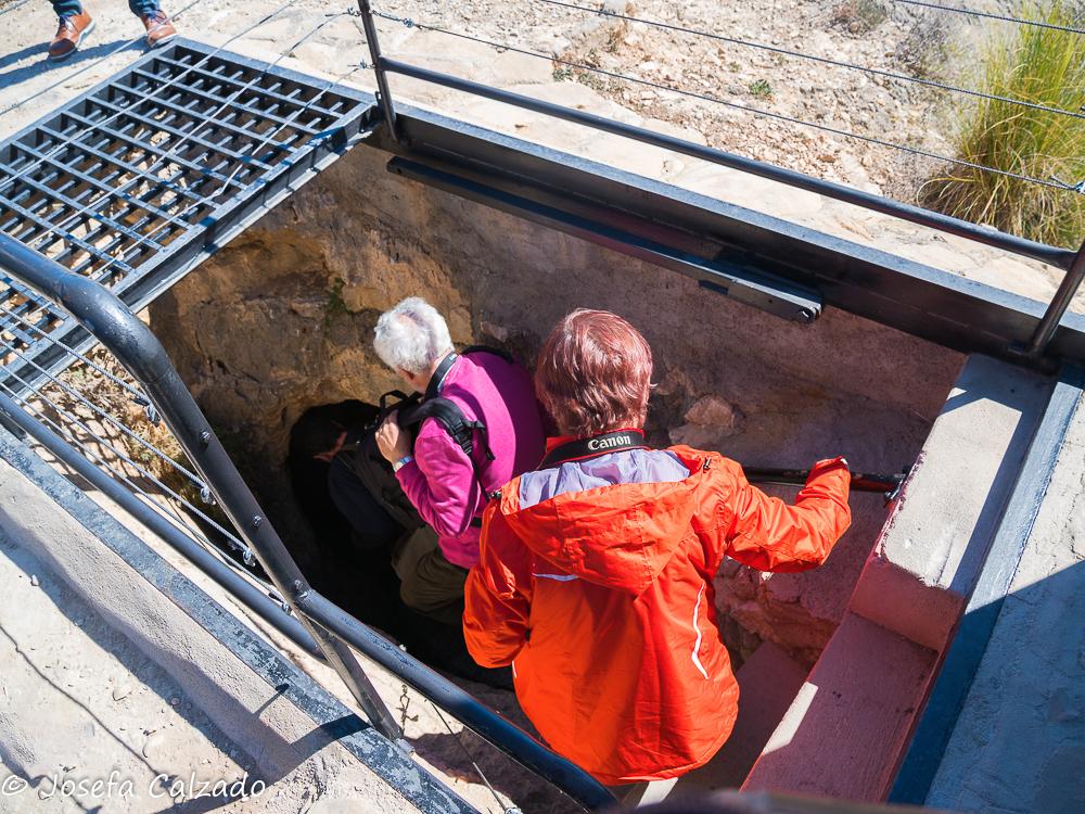Bajando a la cueva
