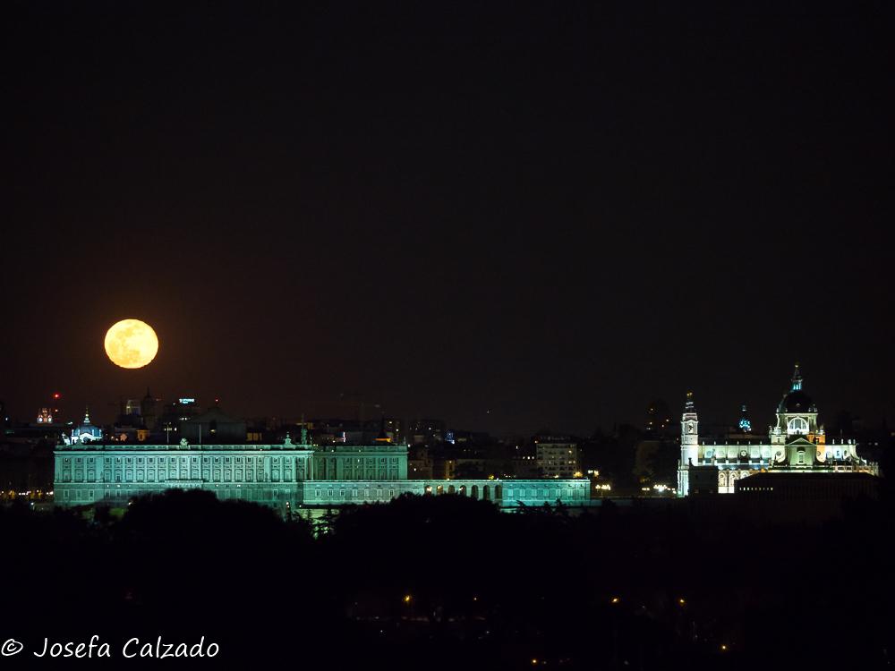 Superluna, Palacio Real y Ntra. Sra. de la Almudena