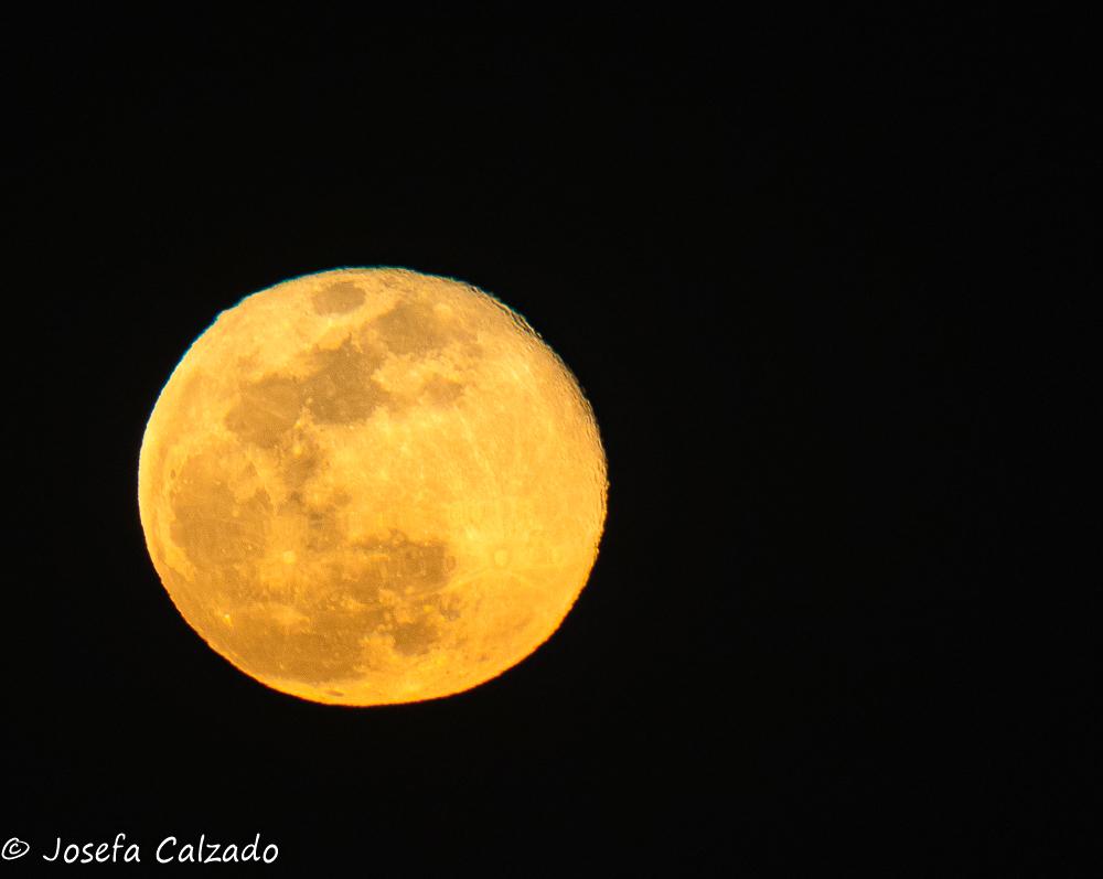 Superluna de marzo, luna del gusano
