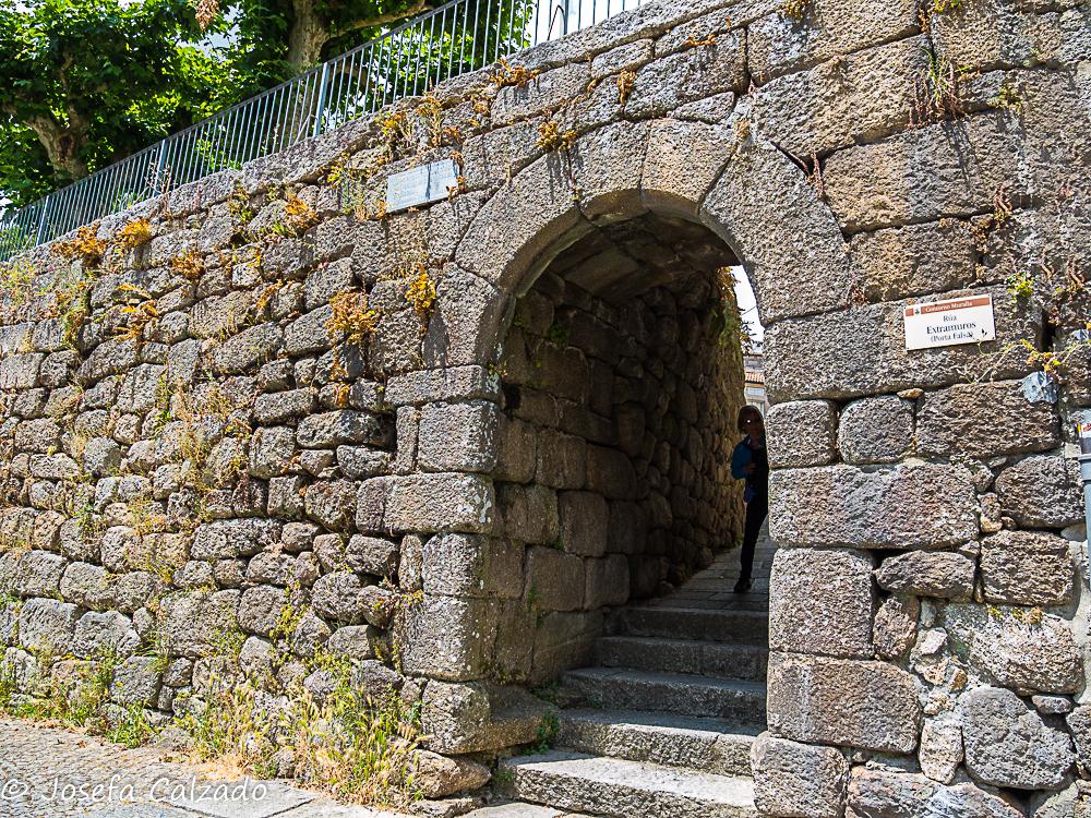 Entrada a la muralla